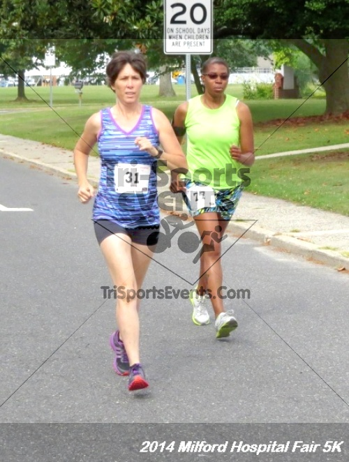2014 Milford Hospital Fair 5K<br><br><br><br><a href='https://www.trisportsevents.com/pics/14_Milford_Hospital_Fair_5K_036.JPG' download='14_Milford_Hospital_Fair_5K_036.JPG'>Click here to download.</a><Br><a href='http://www.facebook.com/sharer.php?u=http:%2F%2Fwww.trisportsevents.com%2Fpics%2F14_Milford_Hospital_Fair_5K_036.JPG&t=2014 Milford Hospital Fair 5K' target='_blank'><img src='images/fb_share.png' width='100'></a>
