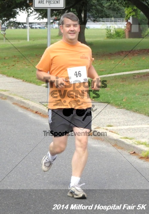 2014 Milford Hospital Fair 5K<br><br><br><br><a href='https://www.trisportsevents.com/pics/14_Milford_Hospital_Fair_5K_039.JPG' download='14_Milford_Hospital_Fair_5K_039.JPG'>Click here to download.</a><Br><a href='http://www.facebook.com/sharer.php?u=http:%2F%2Fwww.trisportsevents.com%2Fpics%2F14_Milford_Hospital_Fair_5K_039.JPG&t=2014 Milford Hospital Fair 5K' target='_blank'><img src='images/fb_share.png' width='100'></a>