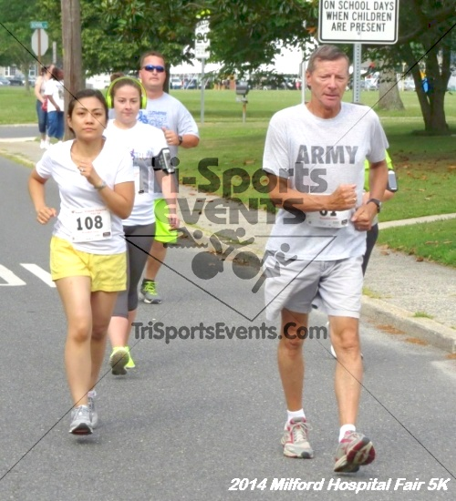 2014 Milford Hospital Fair 5K<br><br><br><br><a href='https://www.trisportsevents.com/pics/14_Milford_Hospital_Fair_5K_047.JPG' download='14_Milford_Hospital_Fair_5K_047.JPG'>Click here to download.</a><Br><a href='http://www.facebook.com/sharer.php?u=http:%2F%2Fwww.trisportsevents.com%2Fpics%2F14_Milford_Hospital_Fair_5K_047.JPG&t=2014 Milford Hospital Fair 5K' target='_blank'><img src='images/fb_share.png' width='100'></a>