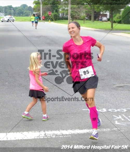 2014 Milford Hospital Fair 5K<br><br><br><br><a href='https://www.trisportsevents.com/pics/14_Milford_Hospital_Fair_5K_074.JPG' download='14_Milford_Hospital_Fair_5K_074.JPG'>Click here to download.</a><Br><a href='http://www.facebook.com/sharer.php?u=http:%2F%2Fwww.trisportsevents.com%2Fpics%2F14_Milford_Hospital_Fair_5K_074.JPG&t=2014 Milford Hospital Fair 5K' target='_blank'><img src='images/fb_share.png' width='100'></a>