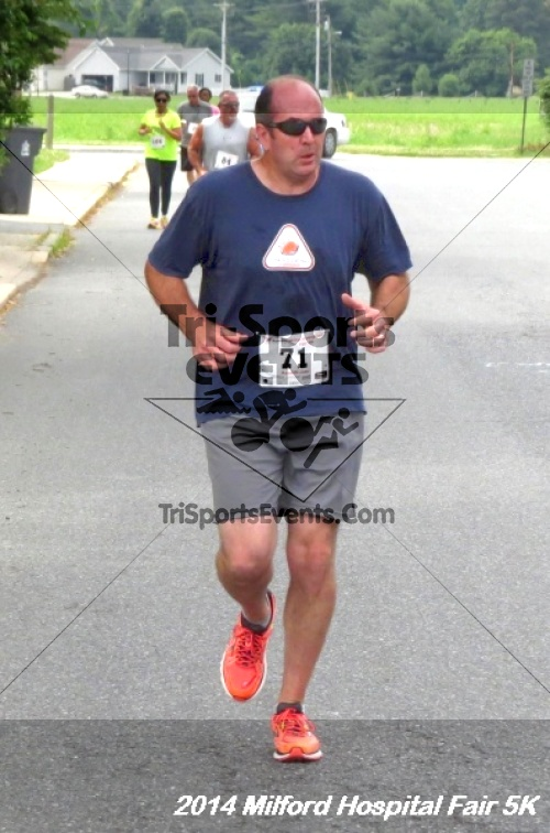 2014 Milford Hospital Fair 5K<br><br><br><br><a href='https://www.trisportsevents.com/pics/14_Milford_Hospital_Fair_5K_086.JPG' download='14_Milford_Hospital_Fair_5K_086.JPG'>Click here to download.</a><Br><a href='http://www.facebook.com/sharer.php?u=http:%2F%2Fwww.trisportsevents.com%2Fpics%2F14_Milford_Hospital_Fair_5K_086.JPG&t=2014 Milford Hospital Fair 5K' target='_blank'><img src='images/fb_share.png' width='100'></a>