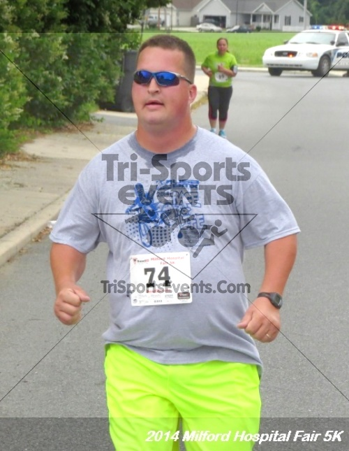 2014 Milford Hospital Fair 5K<br><br><br><br><a href='https://www.trisportsevents.com/pics/14_Milford_Hospital_Fair_5K_117.JPG' download='14_Milford_Hospital_Fair_5K_117.JPG'>Click here to download.</a><Br><a href='http://www.facebook.com/sharer.php?u=http:%2F%2Fwww.trisportsevents.com%2Fpics%2F14_Milford_Hospital_Fair_5K_117.JPG&t=2014 Milford Hospital Fair 5K' target='_blank'><img src='images/fb_share.png' width='100'></a>