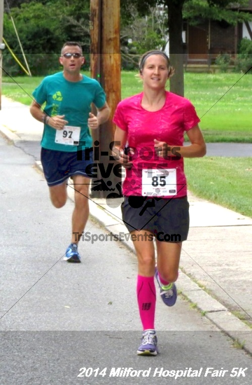 2014 Milford Hospital Fair 5K<br><br><br><br><a href='https://www.trisportsevents.com/pics/14_Milford_Hospital_Fair_5K_127.JPG' download='14_Milford_Hospital_Fair_5K_127.JPG'>Click here to download.</a><Br><a href='http://www.facebook.com/sharer.php?u=http:%2F%2Fwww.trisportsevents.com%2Fpics%2F14_Milford_Hospital_Fair_5K_127.JPG&t=2014 Milford Hospital Fair 5K' target='_blank'><img src='images/fb_share.png' width='100'></a>