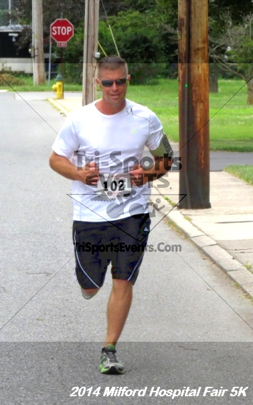 2014 Milford Hospital Fair 5K<br><br><br><br><a href='https://www.trisportsevents.com/pics/14_Milford_Hospital_Fair_5K_129.JPG' download='14_Milford_Hospital_Fair_5K_129.JPG'>Click here to download.</a><Br><a href='http://www.facebook.com/sharer.php?u=http:%2F%2Fwww.trisportsevents.com%2Fpics%2F14_Milford_Hospital_Fair_5K_129.JPG&t=2014 Milford Hospital Fair 5K' target='_blank'><img src='images/fb_share.png' width='100'></a>