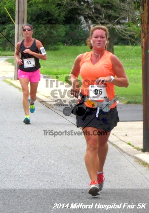 2014 Milford Hospital Fair 5K<br><br><br><br><a href='https://www.trisportsevents.com/pics/14_Milford_Hospital_Fair_5K_137.JPG' download='14_Milford_Hospital_Fair_5K_137.JPG'>Click here to download.</a><Br><a href='http://www.facebook.com/sharer.php?u=http:%2F%2Fwww.trisportsevents.com%2Fpics%2F14_Milford_Hospital_Fair_5K_137.JPG&t=2014 Milford Hospital Fair 5K' target='_blank'><img src='images/fb_share.png' width='100'></a>