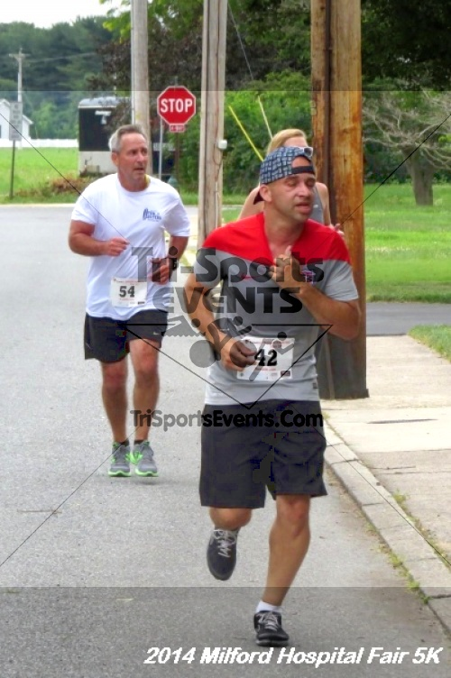 2014 Milford Hospital Fair 5K<br><br><br><br><a href='https://www.trisportsevents.com/pics/14_Milford_Hospital_Fair_5K_153.JPG' download='14_Milford_Hospital_Fair_5K_153.JPG'>Click here to download.</a><Br><a href='http://www.facebook.com/sharer.php?u=http:%2F%2Fwww.trisportsevents.com%2Fpics%2F14_Milford_Hospital_Fair_5K_153.JPG&t=2014 Milford Hospital Fair 5K' target='_blank'><img src='images/fb_share.png' width='100'></a>