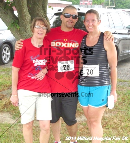 2014 Milford Hospital Fair 5K<br><br><br><br><a href='https://www.trisportsevents.com/pics/14_Milford_Hospital_Fair_5K_176.JPG' download='14_Milford_Hospital_Fair_5K_176.JPG'>Click here to download.</a><Br><a href='http://www.facebook.com/sharer.php?u=http:%2F%2Fwww.trisportsevents.com%2Fpics%2F14_Milford_Hospital_Fair_5K_176.JPG&t=2014 Milford Hospital Fair 5K' target='_blank'><img src='images/fb_share.png' width='100'></a>