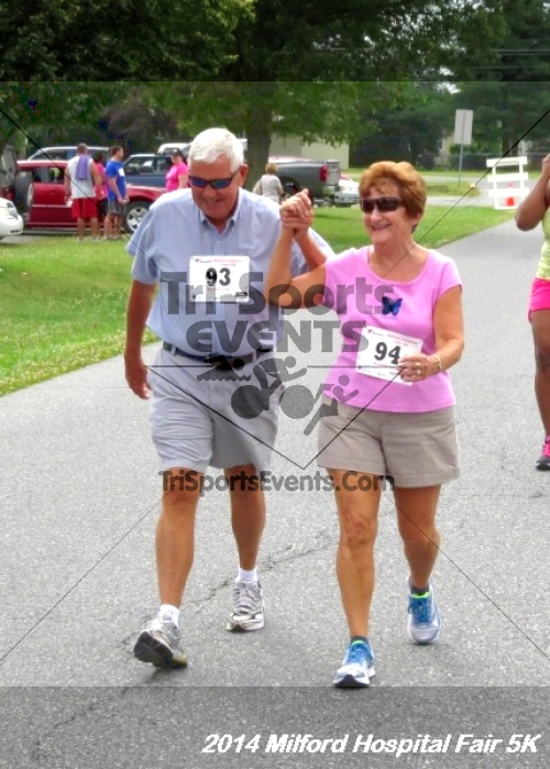 2014 Milford Hospital Fair 5K<br><br><br><br><a href='https://www.trisportsevents.com/pics/14_Milford_Hospital_Fair_5K_195.JPG' download='14_Milford_Hospital_Fair_5K_195.JPG'>Click here to download.</a><Br><a href='http://www.facebook.com/sharer.php?u=http:%2F%2Fwww.trisportsevents.com%2Fpics%2F14_Milford_Hospital_Fair_5K_195.JPG&t=2014 Milford Hospital Fair 5K' target='_blank'><img src='images/fb_share.png' width='100'></a>