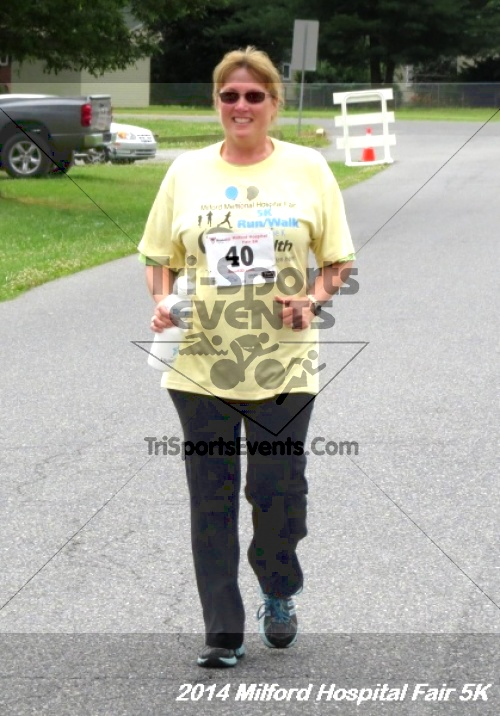 2014 Milford Hospital Fair 5K<br><br><br><br><a href='http://www.trisportsevents.com/pics/14_Milford_Hospital_Fair_5K_198.JPG' download='14_Milford_Hospital_Fair_5K_198.JPG'>Click here to download.</a><Br><a href='http://www.facebook.com/sharer.php?u=http:%2F%2Fwww.trisportsevents.com%2Fpics%2F14_Milford_Hospital_Fair_5K_198.JPG&t=2014 Milford Hospital Fair 5K' target='_blank'><img src='images/fb_share.png' width='100'></a>