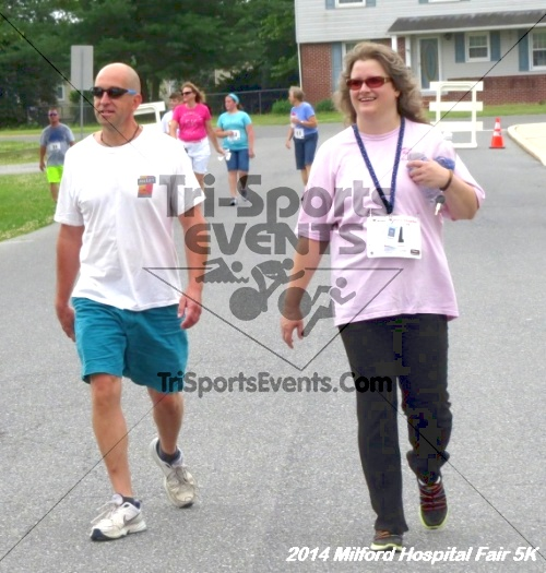 2014 Milford Hospital Fair 5K<br><br><br><br><a href='https://www.trisportsevents.com/pics/14_Milford_Hospital_Fair_5K_205.JPG' download='14_Milford_Hospital_Fair_5K_205.JPG'>Click here to download.</a><Br><a href='http://www.facebook.com/sharer.php?u=http:%2F%2Fwww.trisportsevents.com%2Fpics%2F14_Milford_Hospital_Fair_5K_205.JPG&t=2014 Milford Hospital Fair 5K' target='_blank'><img src='images/fb_share.png' width='100'></a>