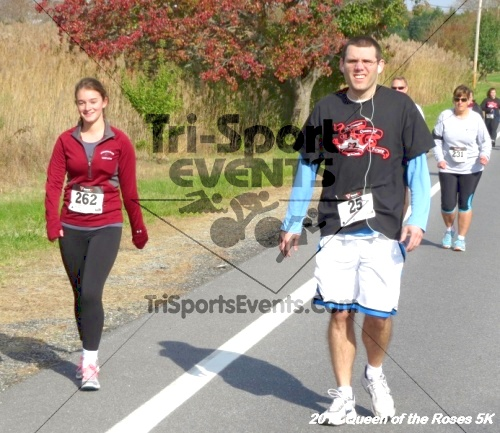 Queen of the Roses 5K Run/Walk<br><br><br><br><a href='http://www.trisportsevents.com/pics/14_Queen_of_Roses_5K_037.JPG' download='14_Queen_of_Roses_5K_037.JPG'>Click here to download.</a><Br><a href='http://www.facebook.com/sharer.php?u=http:%2F%2Fwww.trisportsevents.com%2Fpics%2F14_Queen_of_Roses_5K_037.JPG&t=Queen of the Roses 5K Run/Walk' target='_blank'><img src='images/fb_share.png' width='100'></a>