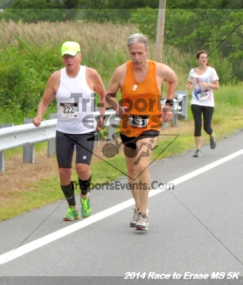Race to Erase MS 5K Run/Walk<br><br><br><br><a href='https://www.trisportsevents.com/pics/14_Race_to_Erase_MS_5K_029.JPG' download='14_Race_to_Erase_MS_5K_029.JPG'>Click here to download.</a><Br><a href='http://www.facebook.com/sharer.php?u=http:%2F%2Fwww.trisportsevents.com%2Fpics%2F14_Race_to_Erase_MS_5K_029.JPG&t=Race to Erase MS 5K Run/Walk' target='_blank'><img src='images/fb_share.png' width='100'></a>