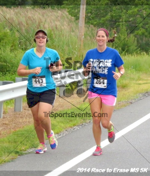 Race to Erase MS 5K Run/Walk<br><br><br><br><a href='https://www.trisportsevents.com/pics/14_Race_to_Erase_MS_5K_030.JPG' download='14_Race_to_Erase_MS_5K_030.JPG'>Click here to download.</a><Br><a href='http://www.facebook.com/sharer.php?u=http:%2F%2Fwww.trisportsevents.com%2Fpics%2F14_Race_to_Erase_MS_5K_030.JPG&t=Race to Erase MS 5K Run/Walk' target='_blank'><img src='images/fb_share.png' width='100'></a>