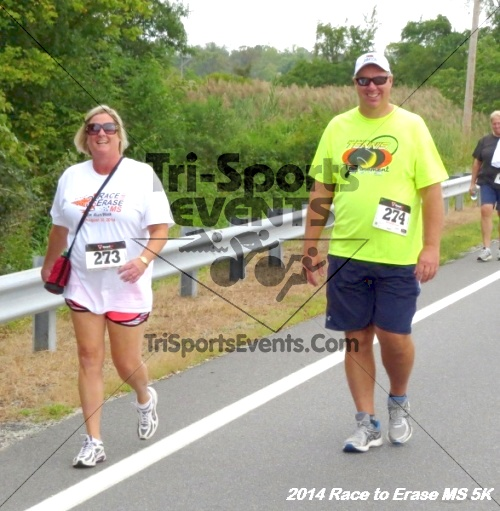 Race to Erase MS 5K Run/Walk<br><br><br><br><a href='http://www.trisportsevents.com/pics/14_Race_to_Erase_MS_5K_046.JPG' download='14_Race_to_Erase_MS_5K_046.JPG'>Click here to download.</a><Br><a href='http://www.facebook.com/sharer.php?u=http:%2F%2Fwww.trisportsevents.com%2Fpics%2F14_Race_to_Erase_MS_5K_046.JPG&t=Race to Erase MS 5K Run/Walk' target='_blank'><img src='images/fb_share.png' width='100'></a>