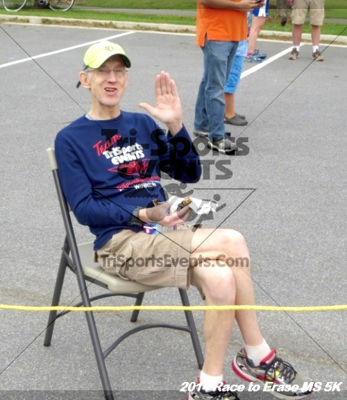 Race to Erase MS 5K Run/Walk<br><br><br><br><a href='http://www.trisportsevents.com/pics/14_Race_to_Erase_MS_5K_105.JPG' download='14_Race_to_Erase_MS_5K_105.JPG'>Click here to download.</a><Br><a href='http://www.facebook.com/sharer.php?u=http:%2F%2Fwww.trisportsevents.com%2Fpics%2F14_Race_to_Erase_MS_5K_105.JPG&t=Race to Erase MS 5K Run/Walk' target='_blank'><img src='images/fb_share.png' width='100'></a>