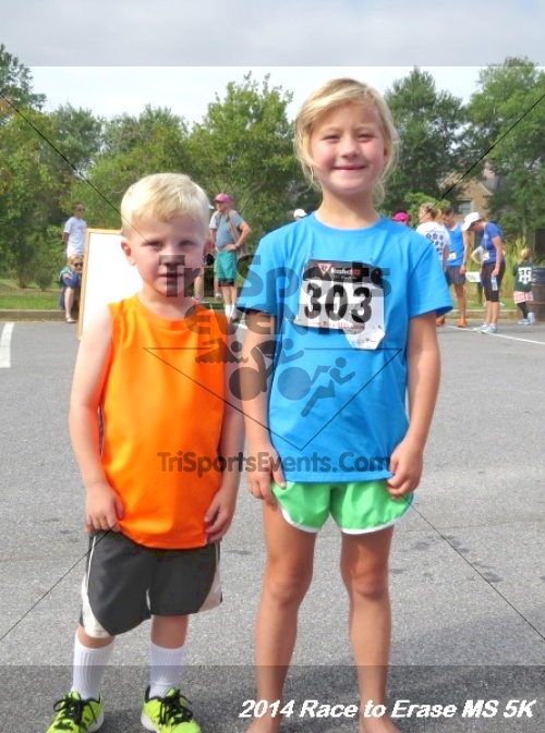 Race to Erase MS 5K Run/Walk<br><br><br><br><a href='http://www.trisportsevents.com/pics/14_Race_to_Erase_MS_5K_133.JPG' download='14_Race_to_Erase_MS_5K_133.JPG'>Click here to download.</a><Br><a href='http://www.facebook.com/sharer.php?u=http:%2F%2Fwww.trisportsevents.com%2Fpics%2F14_Race_to_Erase_MS_5K_133.JPG&t=Race to Erase MS 5K Run/Walk' target='_blank'><img src='images/fb_share.png' width='100'></a>