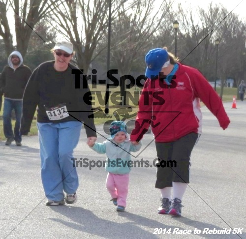 Race to Rebuild 5K Run/Walk<br><br><br><br><a href='https://www.trisportsevents.com/pics/14_Race_to_Rebuild_5K_045.JPG' download='14_Race_to_Rebuild_5K_045.JPG'>Click here to download.</a><Br><a href='http://www.facebook.com/sharer.php?u=http:%2F%2Fwww.trisportsevents.com%2Fpics%2F14_Race_to_Rebuild_5K_045.JPG&t=Race to Rebuild 5K Run/Walk' target='_blank'><img src='images/fb_share.png' width='100'></a>