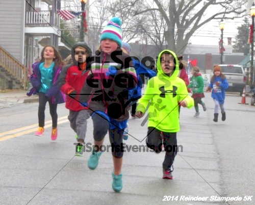 Rock Hall Reindeer Stampede 5K Run/Walk<br><br><br><br><a href='http://www.trisportsevents.com/pics/14_Reindeer_Stampede_5K_004.JPG' download='14_Reindeer_Stampede_5K_004.JPG'>Click here to download.</a><Br><a href='http://www.facebook.com/sharer.php?u=http:%2F%2Fwww.trisportsevents.com%2Fpics%2F14_Reindeer_Stampede_5K_004.JPG&t=Rock Hall Reindeer Stampede 5K Run/Walk' target='_blank'><img src='images/fb_share.png' width='100'></a>