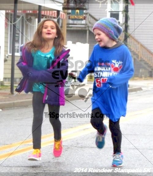 Rock Hall Reindeer Stampede 5K Run/Walk<br><br><br><br><a href='https://www.trisportsevents.com/pics/14_Reindeer_Stampede_5K_005.JPG' download='14_Reindeer_Stampede_5K_005.JPG'>Click here to download.</a><Br><a href='http://www.facebook.com/sharer.php?u=http:%2F%2Fwww.trisportsevents.com%2Fpics%2F14_Reindeer_Stampede_5K_005.JPG&t=Rock Hall Reindeer Stampede 5K Run/Walk' target='_blank'><img src='images/fb_share.png' width='100'></a>