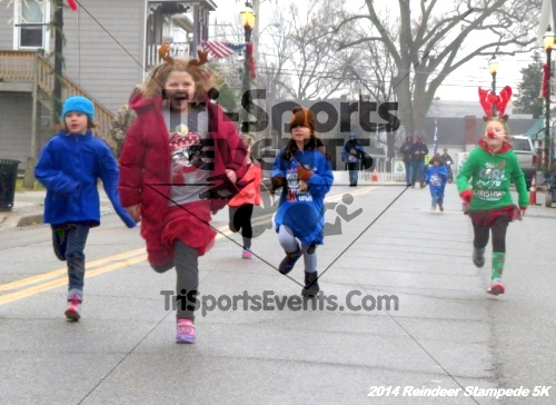 Rock Hall Reindeer Stampede 5K Run/Walk<br><br><br><br><a href='http://www.trisportsevents.com/pics/14_Reindeer_Stampede_5K_006.JPG' download='14_Reindeer_Stampede_5K_006.JPG'>Click here to download.</a><Br><a href='http://www.facebook.com/sharer.php?u=http:%2F%2Fwww.trisportsevents.com%2Fpics%2F14_Reindeer_Stampede_5K_006.JPG&t=Rock Hall Reindeer Stampede 5K Run/Walk' target='_blank'><img src='images/fb_share.png' width='100'></a>