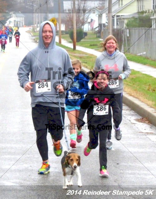 Rock Hall Reindeer Stampede 5K Run/Walk<br><br><br><br><a href='http://www.trisportsevents.com/pics/14_Reindeer_Stampede_5K_029.JPG' download='14_Reindeer_Stampede_5K_029.JPG'>Click here to download.</a><Br><a href='http://www.facebook.com/sharer.php?u=http:%2F%2Fwww.trisportsevents.com%2Fpics%2F14_Reindeer_Stampede_5K_029.JPG&t=Rock Hall Reindeer Stampede 5K Run/Walk' target='_blank'><img src='images/fb_share.png' width='100'></a>
