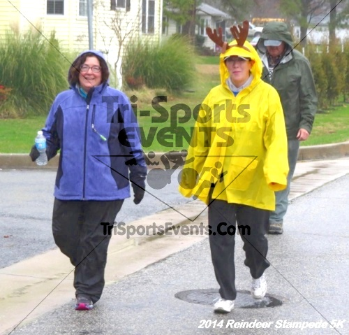 Rock Hall Reindeer Stampede 5K Run/Walk<br><br><br><br><a href='http://www.trisportsevents.com/pics/14_Reindeer_Stampede_5K_045.JPG' download='14_Reindeer_Stampede_5K_045.JPG'>Click here to download.</a><Br><a href='http://www.facebook.com/sharer.php?u=http:%2F%2Fwww.trisportsevents.com%2Fpics%2F14_Reindeer_Stampede_5K_045.JPG&t=Rock Hall Reindeer Stampede 5K Run/Walk' target='_blank'><img src='images/fb_share.png' width='100'></a>