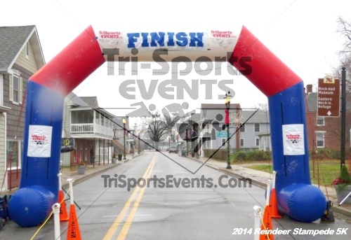 Rock Hall Reindeer Stampede 5K Run/Walk<br><br><br><br><a href='https://www.trisportsevents.com/pics/14_Reindeer_Stampede_5K_055.JPG' download='14_Reindeer_Stampede_5K_055.JPG'>Click here to download.</a><Br><a href='http://www.facebook.com/sharer.php?u=http:%2F%2Fwww.trisportsevents.com%2Fpics%2F14_Reindeer_Stampede_5K_055.JPG&t=Rock Hall Reindeer Stampede 5K Run/Walk' target='_blank'><img src='images/fb_share.png' width='100'></a>