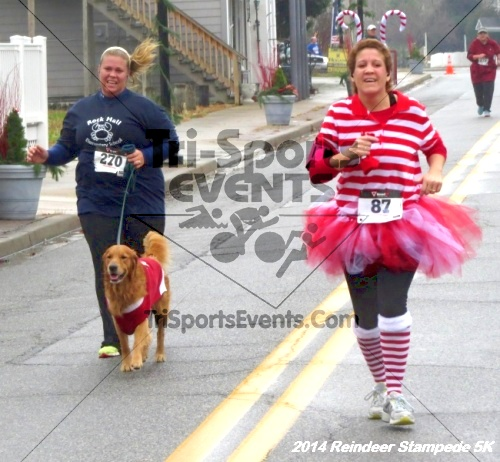 Rock Hall Reindeer Stampede 5K Run/Walk<br><br><br><br><a href='https://www.trisportsevents.com/pics/14_Reindeer_Stampede_5K_102.JPG' download='14_Reindeer_Stampede_5K_102.JPG'>Click here to download.</a><Br><a href='http://www.facebook.com/sharer.php?u=http:%2F%2Fwww.trisportsevents.com%2Fpics%2F14_Reindeer_Stampede_5K_102.JPG&t=Rock Hall Reindeer Stampede 5K Run/Walk' target='_blank'><img src='images/fb_share.png' width='100'></a>