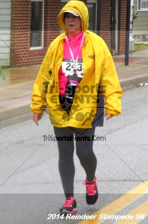 Rock Hall Reindeer Stampede 5K Run/Walk<br><br><br><br><a href='https://www.trisportsevents.com/pics/14_Reindeer_Stampede_5K_112.JPG' download='14_Reindeer_Stampede_5K_112.JPG'>Click here to download.</a><Br><a href='http://www.facebook.com/sharer.php?u=http:%2F%2Fwww.trisportsevents.com%2Fpics%2F14_Reindeer_Stampede_5K_112.JPG&t=Rock Hall Reindeer Stampede 5K Run/Walk' target='_blank'><img src='images/fb_share.png' width='100'></a>