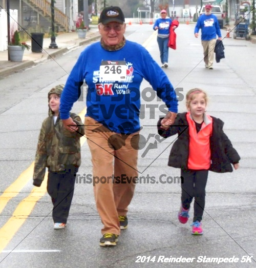 Rock Hall Reindeer Stampede 5K Run/Walk<br><br><br><br><a href='http://www.trisportsevents.com/pics/14_Reindeer_Stampede_5K_121.JPG' download='14_Reindeer_Stampede_5K_121.JPG'>Click here to download.</a><Br><a href='http://www.facebook.com/sharer.php?u=http:%2F%2Fwww.trisportsevents.com%2Fpics%2F14_Reindeer_Stampede_5K_121.JPG&t=Rock Hall Reindeer Stampede 5K Run/Walk' target='_blank'><img src='images/fb_share.png' width='100'></a>