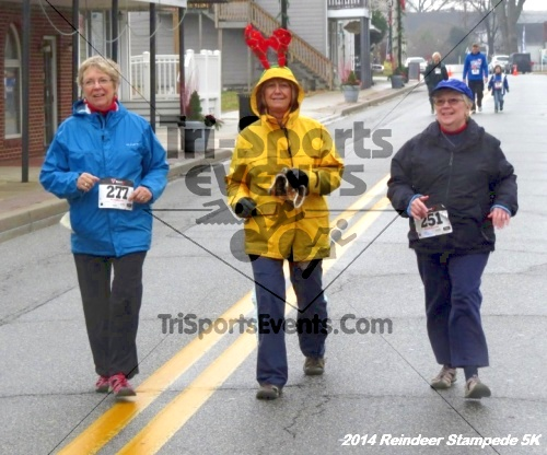 Rock Hall Reindeer Stampede 5K Run/Walk<br><br><br><br><a href='http://www.trisportsevents.com/pics/14_Reindeer_Stampede_5K_132.JPG' download='14_Reindeer_Stampede_5K_132.JPG'>Click here to download.</a><Br><a href='http://www.facebook.com/sharer.php?u=http:%2F%2Fwww.trisportsevents.com%2Fpics%2F14_Reindeer_Stampede_5K_132.JPG&t=Rock Hall Reindeer Stampede 5K Run/Walk' target='_blank'><img src='images/fb_share.png' width='100'></a>