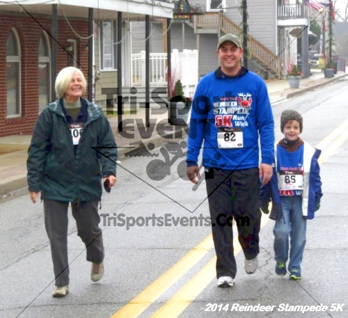 Rock Hall Reindeer Stampede 5K Run/Walk<br><br><br><br><a href='http://www.trisportsevents.com/pics/14_Reindeer_Stampede_5K_133.JPG' download='14_Reindeer_Stampede_5K_133.JPG'>Click here to download.</a><Br><a href='http://www.facebook.com/sharer.php?u=http:%2F%2Fwww.trisportsevents.com%2Fpics%2F14_Reindeer_Stampede_5K_133.JPG&t=Rock Hall Reindeer Stampede 5K Run/Walk' target='_blank'><img src='images/fb_share.png' width='100'></a>