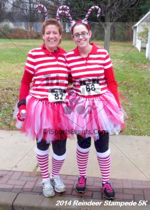 Rock Hall Reindeer Stampede 5K Run/Walk<br><br><br><br><a href='https://www.trisportsevents.com/pics/14_Reindeer_Stampede_5K_135.JPG' download='14_Reindeer_Stampede_5K_135.JPG'>Click here to download.</a><Br><a href='http://www.facebook.com/sharer.php?u=http:%2F%2Fwww.trisportsevents.com%2Fpics%2F14_Reindeer_Stampede_5K_135.JPG&t=Rock Hall Reindeer Stampede 5K Run/Walk' target='_blank'><img src='images/fb_share.png' width='100'></a>