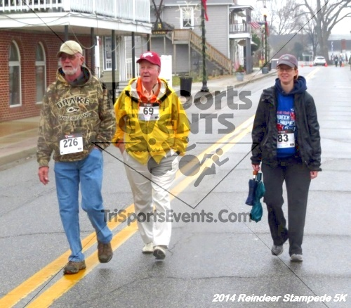 Rock Hall Reindeer Stampede 5K Run/Walk<br><br><br><br><a href='http://www.trisportsevents.com/pics/14_Reindeer_Stampede_5K_136.JPG' download='14_Reindeer_Stampede_5K_136.JPG'>Click here to download.</a><Br><a href='http://www.facebook.com/sharer.php?u=http:%2F%2Fwww.trisportsevents.com%2Fpics%2F14_Reindeer_Stampede_5K_136.JPG&t=Rock Hall Reindeer Stampede 5K Run/Walk' target='_blank'><img src='images/fb_share.png' width='100'></a>