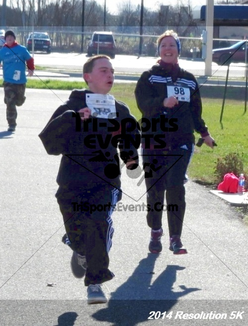 2014 Resolution 5K<br><br><br><br><a href='http://www.trisportsevents.com/pics/14_Resolution_5K_327.JPG' download='14_Resolution_5K_327.JPG'>Click here to download.</a><Br><a href='http://www.facebook.com/sharer.php?u=http:%2F%2Fwww.trisportsevents.com%2Fpics%2F14_Resolution_5K_327.JPG&t=2014 Resolution 5K' target='_blank'><img src='images/fb_share.png' width='100'></a>