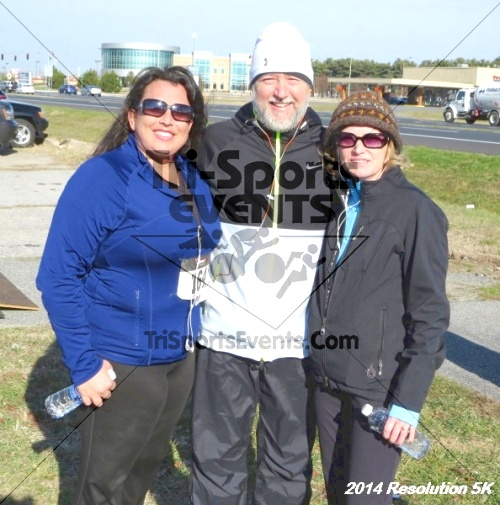2014 Resolution 5K<br><br><br><br><a href='http://www.trisportsevents.com/pics/14_Resolution_5K_421.JPG' download='14_Resolution_5K_421.JPG'>Click here to download.</a><Br><a href='http://www.facebook.com/sharer.php?u=http:%2F%2Fwww.trisportsevents.com%2Fpics%2F14_Resolution_5K_421.JPG&t=2014 Resolution 5K' target='_blank'><img src='images/fb_share.png' width='100'></a>