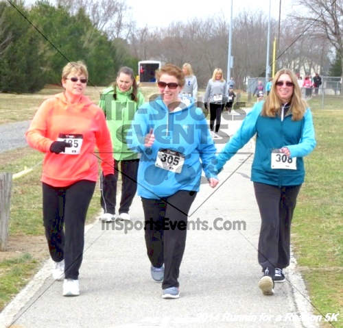 Runnin for a Reason 5K<br><br><br><br><a href='https://www.trisportsevents.com/pics/14_Runnin_for_a_Reason_5K_065.JPG' download='14_Runnin_for_a_Reason_5K_065.JPG'>Click here to download.</a><Br><a href='http://www.facebook.com/sharer.php?u=http:%2F%2Fwww.trisportsevents.com%2Fpics%2F14_Runnin_for_a_Reason_5K_065.JPG&t=Runnin for a Reason 5K' target='_blank'><img src='images/fb_share.png' width='100'></a>