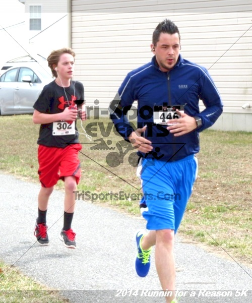 Runnin for a Reason 5K<br><br><br><br><a href='https://www.trisportsevents.com/pics/14_Runnin_for_a_Reason_5K_127.JPG' download='14_Runnin_for_a_Reason_5K_127.JPG'>Click here to download.</a><Br><a href='http://www.facebook.com/sharer.php?u=http:%2F%2Fwww.trisportsevents.com%2Fpics%2F14_Runnin_for_a_Reason_5K_127.JPG&t=Runnin for a Reason 5K' target='_blank'><img src='images/fb_share.png' width='100'></a>