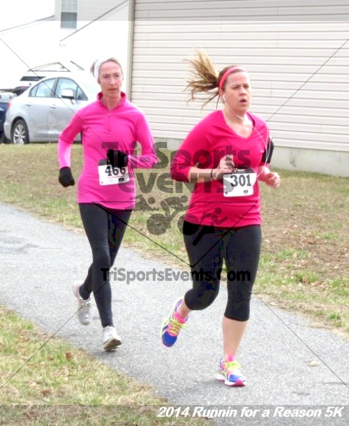 Runnin for a Reason 5K<br><br><br><br><a href='https://www.trisportsevents.com/pics/14_Runnin_for_a_Reason_5K_136.JPG' download='14_Runnin_for_a_Reason_5K_136.JPG'>Click here to download.</a><Br><a href='http://www.facebook.com/sharer.php?u=http:%2F%2Fwww.trisportsevents.com%2Fpics%2F14_Runnin_for_a_Reason_5K_136.JPG&t=Runnin for a Reason 5K' target='_blank'><img src='images/fb_share.png' width='100'></a>