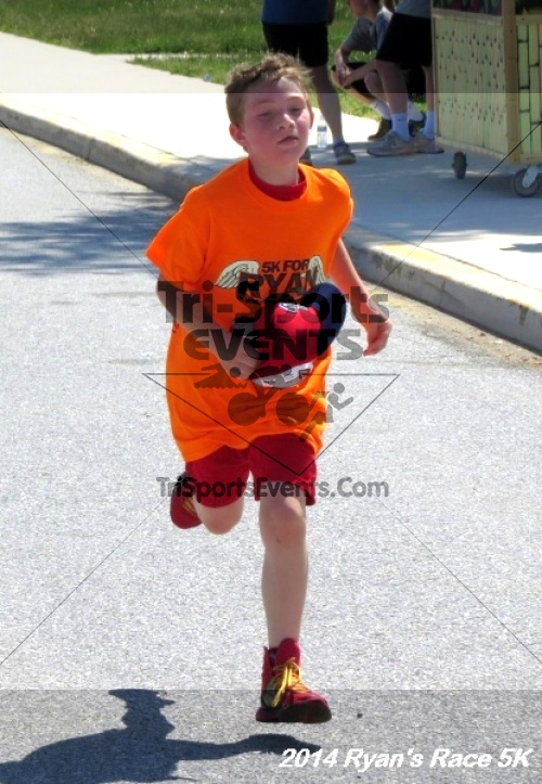 Ryan's Race 5k Run/Walk<br><br><br><br><a href='https://www.trisportsevents.com/pics/14_Ryan's_Race_5K_182.JPG' download='14_Ryan's_Race_5K_182.JPG'>Click here to download.</a><Br><a href='http://www.facebook.com/sharer.php?u=http:%2F%2Fwww.trisportsevents.com%2Fpics%2F14_Ryan's_Race_5K_182.JPG&t=Ryan's Race 5k Run/Walk' target='_blank'><img src='images/fb_share.png' width='100'></a>