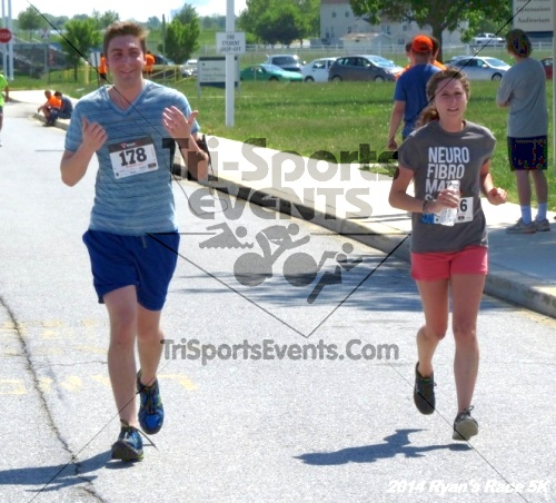 Ryan's Race 5k Run/Walk<br><br><br><br><a href='https://www.trisportsevents.com/pics/14_Ryan's_Race_5K_190.JPG' download='14_Ryan's_Race_5K_190.JPG'>Click here to download.</a><Br><a href='http://www.facebook.com/sharer.php?u=http:%2F%2Fwww.trisportsevents.com%2Fpics%2F14_Ryan's_Race_5K_190.JPG&t=Ryan's Race 5k Run/Walk' target='_blank'><img src='images/fb_share.png' width='100'></a>