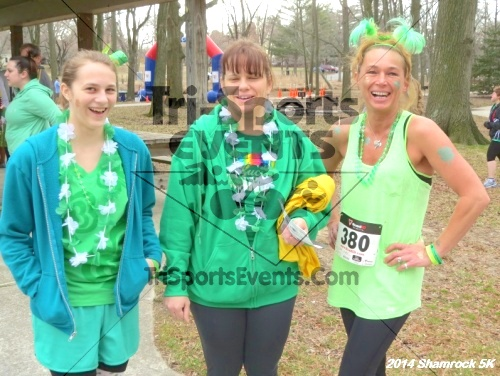 Shamrock Scramble 5K Run/Walk<br><br><br><br><a href='http://www.trisportsevents.com/pics/14_Shamrock_5K_002.JPG' download='14_Shamrock_5K_002.JPG'>Click here to download.</a><Br><a href='http://www.facebook.com/sharer.php?u=http:%2F%2Fwww.trisportsevents.com%2Fpics%2F14_Shamrock_5K_002.JPG&t=Shamrock Scramble 5K Run/Walk' target='_blank'><img src='images/fb_share.png' width='100'></a>