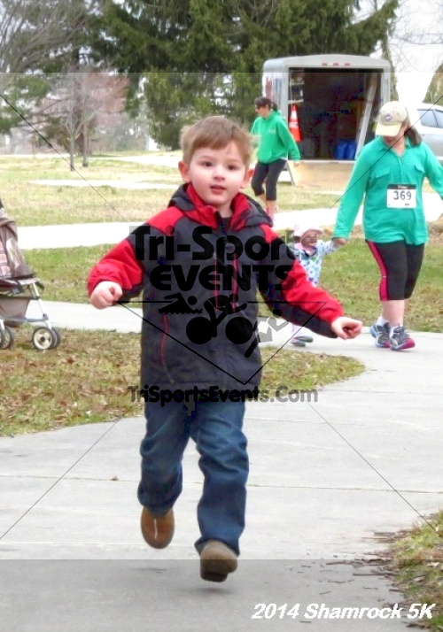 Shamrock Scramble 5K Run/Walk<br><br><br><br><a href='https://www.trisportsevents.com/pics/14_Shamrock_5K_022.JPG' download='14_Shamrock_5K_022.JPG'>Click here to download.</a><Br><a href='http://www.facebook.com/sharer.php?u=http:%2F%2Fwww.trisportsevents.com%2Fpics%2F14_Shamrock_5K_022.JPG&t=Shamrock Scramble 5K Run/Walk' target='_blank'><img src='images/fb_share.png' width='100'></a>
