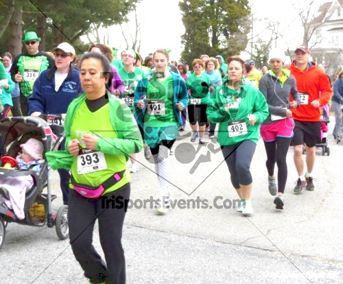 Shamrock Scramble 5K Run/Walk<br><br><br><br><a href='http://www.trisportsevents.com/pics/14_Shamrock_5K_049.JPG' download='14_Shamrock_5K_049.JPG'>Click here to download.</a><Br><a href='http://www.facebook.com/sharer.php?u=http:%2F%2Fwww.trisportsevents.com%2Fpics%2F14_Shamrock_5K_049.JPG&t=Shamrock Scramble 5K Run/Walk' target='_blank'><img src='images/fb_share.png' width='100'></a>
