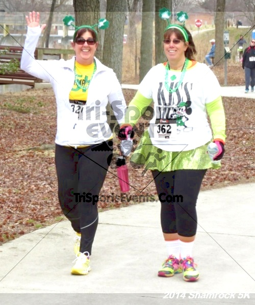 Shamrock Scramble 5K Run/Walk<br><br><br><br><a href='http://www.trisportsevents.com/pics/14_Shamrock_5K_152.JPG' download='14_Shamrock_5K_152.JPG'>Click here to download.</a><Br><a href='http://www.facebook.com/sharer.php?u=http:%2F%2Fwww.trisportsevents.com%2Fpics%2F14_Shamrock_5K_152.JPG&t=Shamrock Scramble 5K Run/Walk' target='_blank'><img src='images/fb_share.png' width='100'></a>
