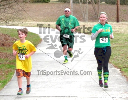 Shamrock Scramble 5K Run/Walk<br><br><br><br><a href='http://www.trisportsevents.com/pics/14_Shamrock_5K_205.JPG' download='14_Shamrock_5K_205.JPG'>Click here to download.</a><Br><a href='http://www.facebook.com/sharer.php?u=http:%2F%2Fwww.trisportsevents.com%2Fpics%2F14_Shamrock_5K_205.JPG&t=Shamrock Scramble 5K Run/Walk' target='_blank'><img src='images/fb_share.png' width='100'></a>