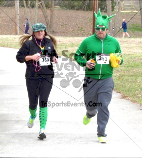 Shamrock Scramble 5K Run/Walk<br><br><br><br><a href='http://www.trisportsevents.com/pics/14_Shamrock_5K_232.JPG' download='14_Shamrock_5K_232.JPG'>Click here to download.</a><Br><a href='http://www.facebook.com/sharer.php?u=http:%2F%2Fwww.trisportsevents.com%2Fpics%2F14_Shamrock_5K_232.JPG&t=Shamrock Scramble 5K Run/Walk' target='_blank'><img src='images/fb_share.png' width='100'></a>