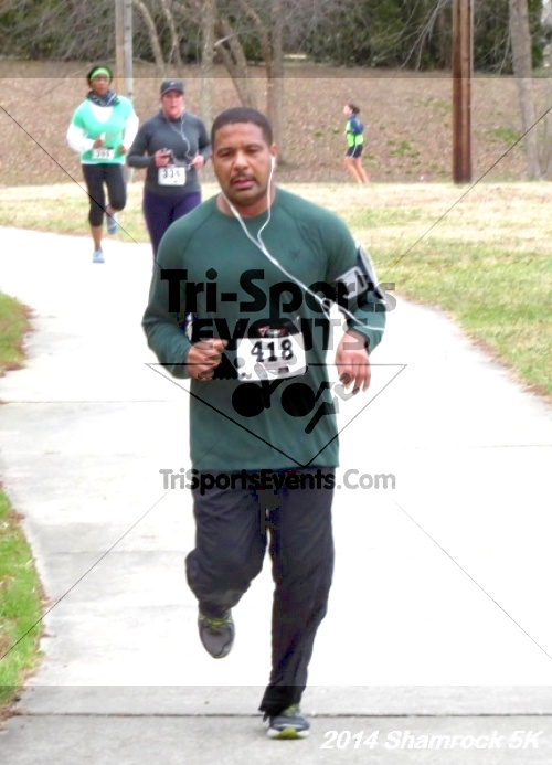 Shamrock Scramble 5K Run/Walk<br><br><br><br><a href='http://www.trisportsevents.com/pics/14_Shamrock_5K_238.JPG' download='14_Shamrock_5K_238.JPG'>Click here to download.</a><Br><a href='http://www.facebook.com/sharer.php?u=http:%2F%2Fwww.trisportsevents.com%2Fpics%2F14_Shamrock_5K_238.JPG&t=Shamrock Scramble 5K Run/Walk' target='_blank'><img src='images/fb_share.png' width='100'></a>