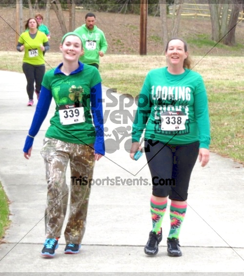 Shamrock Scramble 5K Run/Walk<br><br><br><br><a href='http://www.trisportsevents.com/pics/14_Shamrock_5K_256.JPG' download='14_Shamrock_5K_256.JPG'>Click here to download.</a><Br><a href='http://www.facebook.com/sharer.php?u=http:%2F%2Fwww.trisportsevents.com%2Fpics%2F14_Shamrock_5K_256.JPG&t=Shamrock Scramble 5K Run/Walk' target='_blank'><img src='images/fb_share.png' width='100'></a>