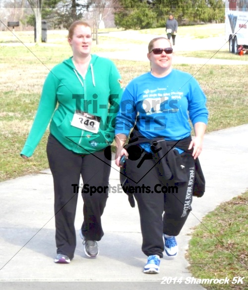 Shamrock Scramble 5K Run/Walk<br><br><br><br><a href='http://www.trisportsevents.com/pics/14_Shamrock_5K_396.JPG' download='14_Shamrock_5K_396.JPG'>Click here to download.</a><Br><a href='http://www.facebook.com/sharer.php?u=http:%2F%2Fwww.trisportsevents.com%2Fpics%2F14_Shamrock_5K_396.JPG&t=Shamrock Scramble 5K Run/Walk' target='_blank'><img src='images/fb_share.png' width='100'></a>